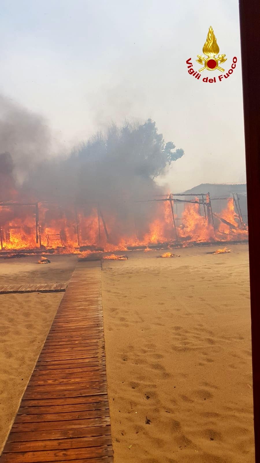 Lido Europa distrutto dalle fiamme 2-3