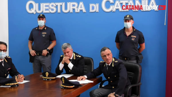 Sgominata banda di pusher vicina al clan Scalisi: anche i minori vendevano droga | Video