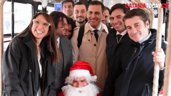 "Il ""jingle bus"" arriva nei quartieri per allietare il Natale dei catanesi 