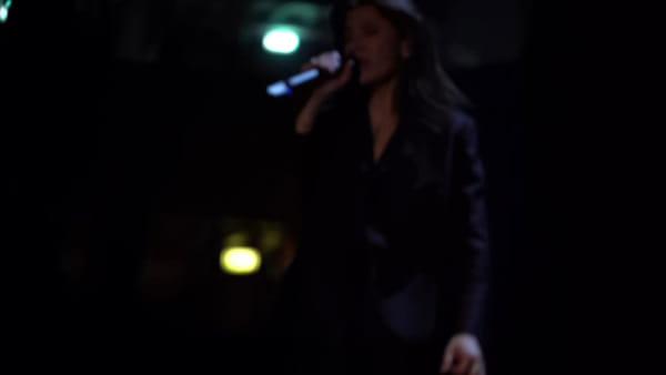Elisa emoziona il PalaCatania con tutte le sfumature della sua musica | Video