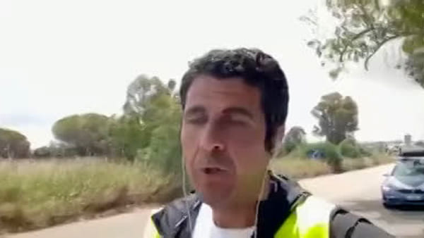 Deputati del Pd percorrono 90 chilometri a piedi per sbloccare la Catania-Ragusa | Video