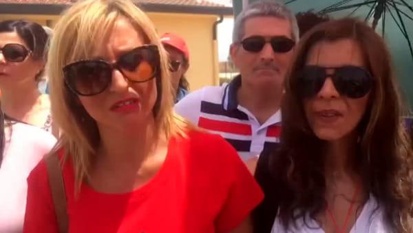 Salvini al Cara di Mineo: le proteste dei lavoratori | VIDEO