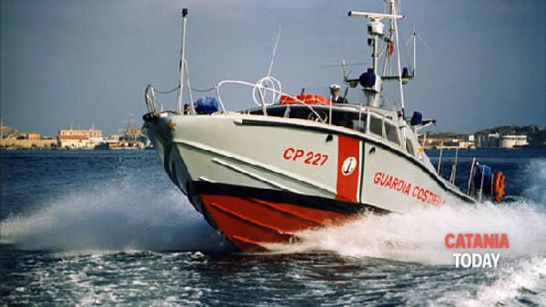 They risk drowning at the Reef, rescued by the coast guard rescue swimmer thumbnail