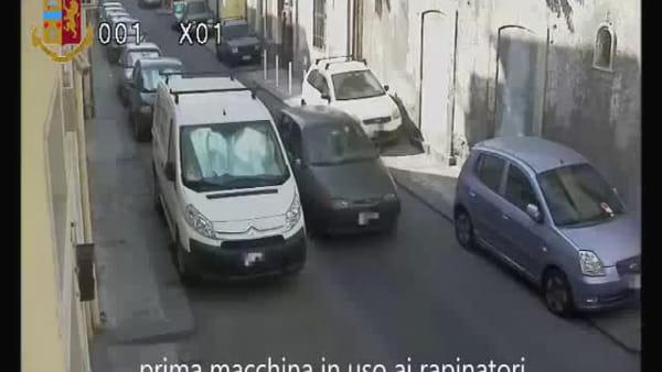 Arrestati gli autori di una violenta rapina ai danni di un'anziana signora | Video