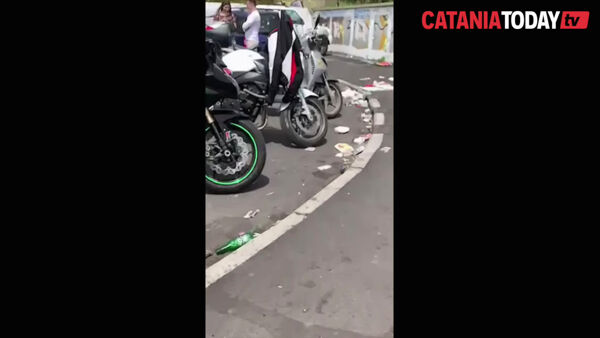 Degrado e rifiuti in viale Alcide De Gasperi | Video