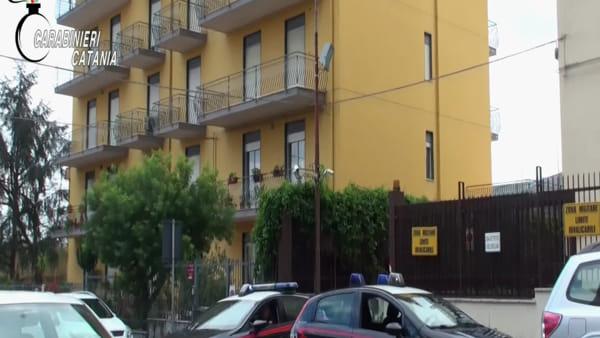 Commando di rapinatori assalta un ristorante a Zafferana per rubare 150 euro | Video