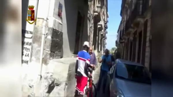 Scoperto un deposito di biciclette rubate, 7 denunce | Video
