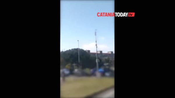 Centinaia di auto a Nesima, controllo a tappeto dei carabinieri | VIDEO