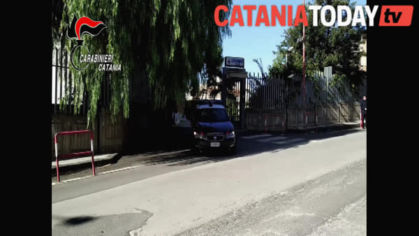 Video | La gara clandestina tra due auto fra Palagonia e Caltagirone