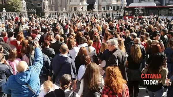 "Flash mob di ""Catania vintage"" in piazza Duomo 