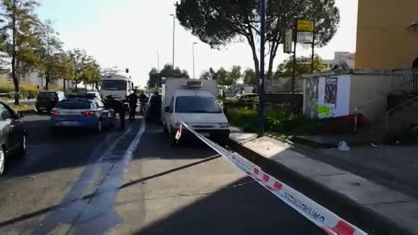 Bomba davanti a distributore di tabacchi, morto un giovane | Video