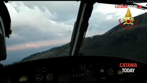 Due escursionisti dispersi sull'Etna e salvati dai vigili del fuoco | Video