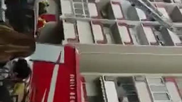 Librino, incendio in una palazzina del viale Grimaldi | Video