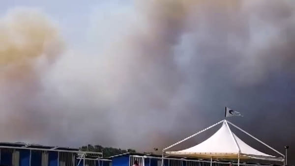 Incendio alla Plaia: le immagini dei lettori | VIDEO