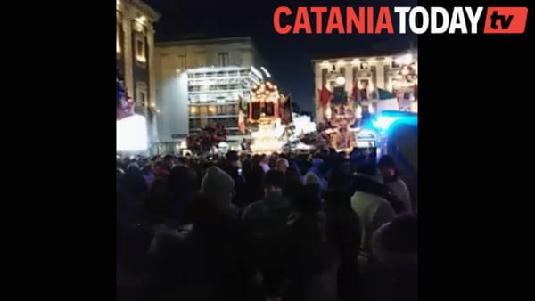 Sant'Agata, candelore rientrano in Cattedrale a causa del maltempo