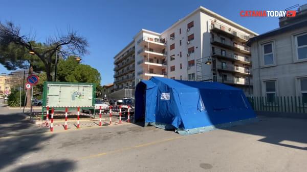 Coronavirus, arrivano le tende da campo negli ospedali | Video