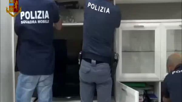 """Operazione """"Hostage"""", le immagini degli arresti"""