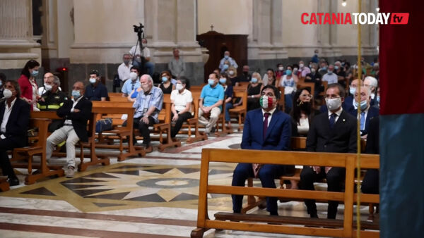 L'ultimo saluto in cattedrale a Luigi Maina | Video