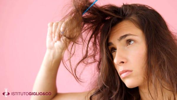 Caduta dei capelli: cause e soluzioni