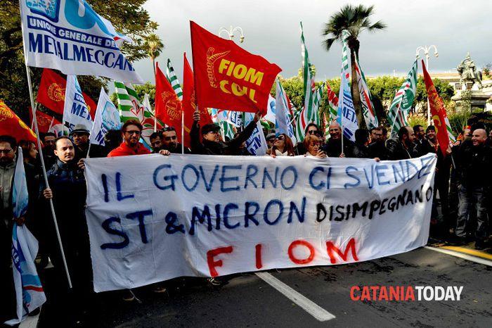 St e Micron in piazza (1)